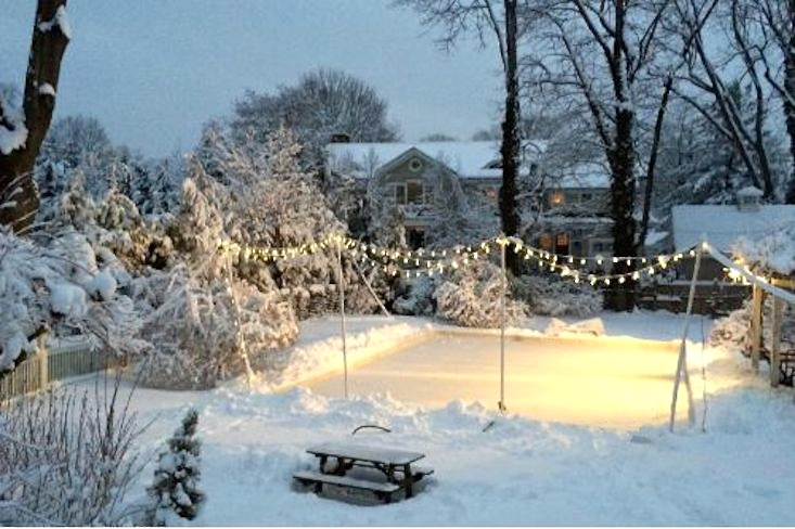 backyard-ice-skating-rink-gardenista-11
